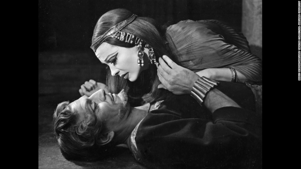 "This McBean photo of Leigh and Olivier promoted their 1951 performances in Shakespeare's ""Anthony and Cleopatra"" at London's St. James Theatre. ""It was really important for her to act on the stage with him,"" Bean said. ""That was her ambition. She felt he was the greatest of his generation, and she really pushed herself to be on what she thought was his level.""<br /><em>Image courtesy of ""Vivien Leigh: An Intimate Portrait"" (Running Press)</em>"