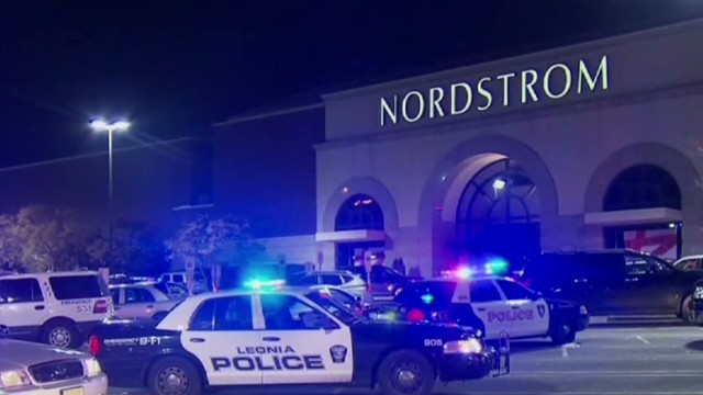 Shootings cause panic in N. Jersey mall