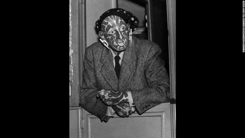 """English freak and sideshow performer Horace Ridler exhibited himself as """"The Great Omi"""" or """"The Zebra Man."""" Ridler died in 1969."""
