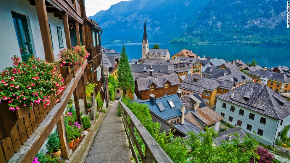 7 Reasons This Village in Austria is Straight Out Of A Fairytale Book