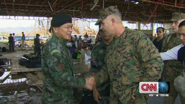U.S. Marines arrive in Philippines