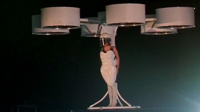 mxp vo lady gaga flying dress_00002026.jpg