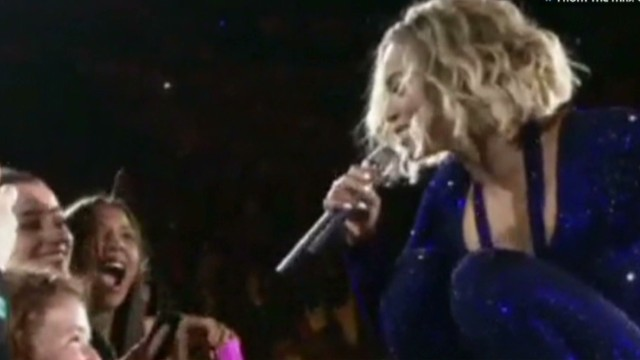 sbt beyonce sings with legally blind girl_00005422.jpg