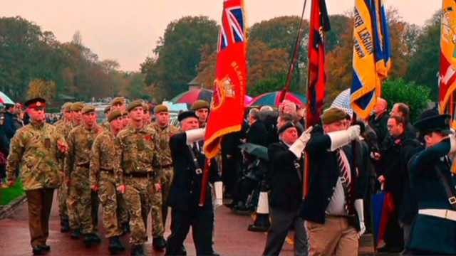 Strangers gather for funeral of WWII vet