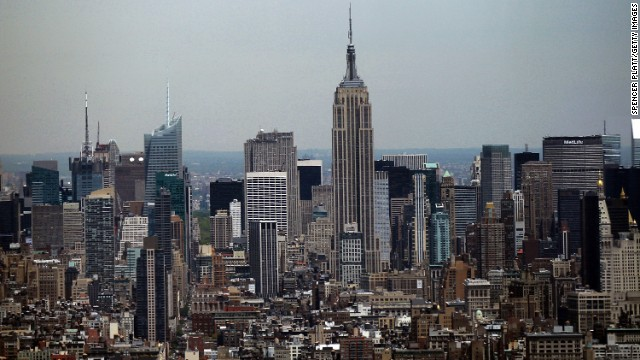 The couple silently knelt in an isolated area of the Empire State Building's observation deck, according to court documents.