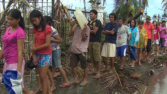 penhaul.tacloban.food.aid_00000504.jpg