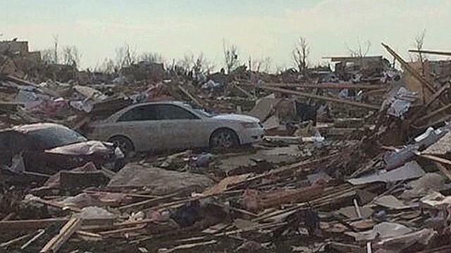 Tornado touches down outside of Peoria