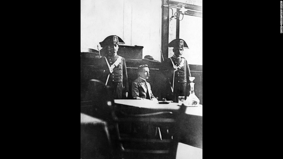 Peruggia appears in a Florence courtroom in June 1914.