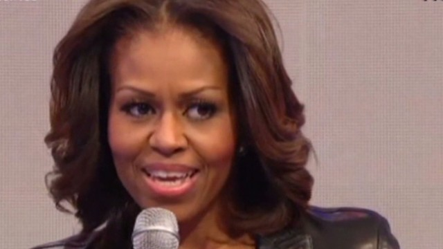 sot first lady obama  president singing _00004518.jpg