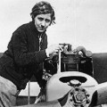 female pilots Amy Johnson