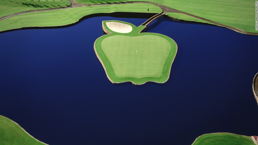 """<strong>17th hole at Apple Tree Resort, Yakima, Washington. </strong>There are nine raised tee boxes (ranging from 106-180 yards) from which to launch your ball towards this extraordinary-looking green, which is shaped like the """"Washington Delicious"""" apple variety. It is accessed via a bridge positioned to look like a giant stalk, while a leaf-shaped bunker at the back will catch those who overclub and stop their round from going completely pear-shaped.    <br />"""