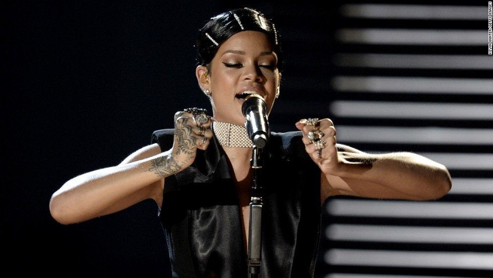 "Rihanna performs her single ""Diamonds."" Afterward, her mother presented her with the first-ever Icon Award."