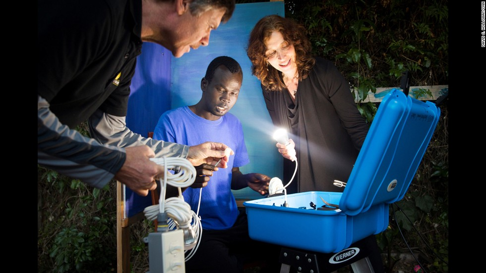 Stachel developed the solar suitcase with the help of Hal Aronson, her husband and a solar energy educator.