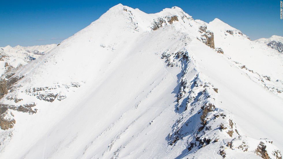 Only skiers and snowboarders with avalanche transponders are allowed to take on this Sunshine Village gully. The avalanche-prone steep makes other runs look like bunny hills.