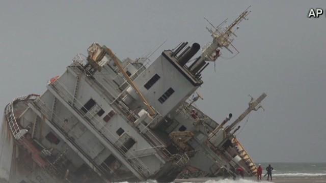 newday sambolin nigerian underwater rescue_00010113.jpg