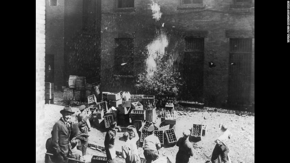 Prohibition : thirteen years that changed America