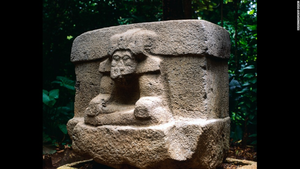 Visitors will find more than 30 Olmec sculptures, including three 20-ton heads, at Parque Museo La Venta in Villahermosa.