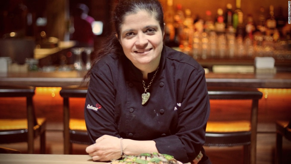 Alex Guarnaschelli Iron Chef Alex Guarnaschelli is an Iron