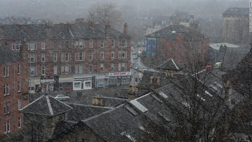 Snow sweeps through Glasgow, Scotland, on December 5.