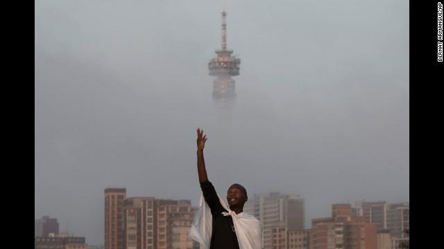 Community unites after Mandela's death