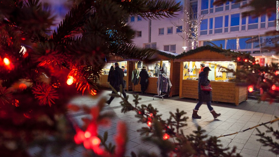 Rows of small, beautiful huts make up the Yule Town Christmas market on Ingólfstorg, where Reykjavik visitors can pick up Christmas gifts, decorations and snacks.