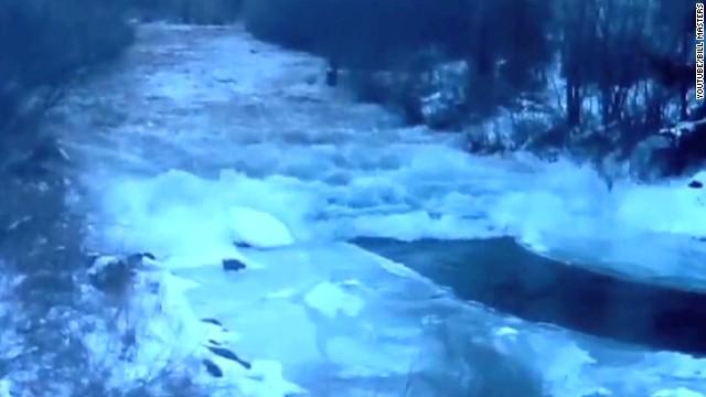 vo cool ice phenomenon in colorado river _00001015.jpg