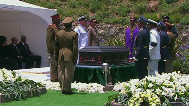 South Africa says goodbye to Mandela