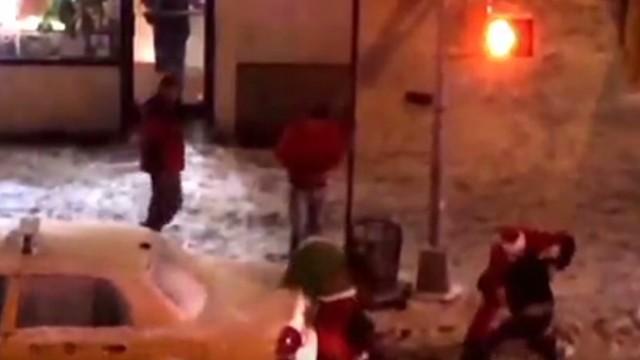 Pub-crawling Santas spark NYC brawl