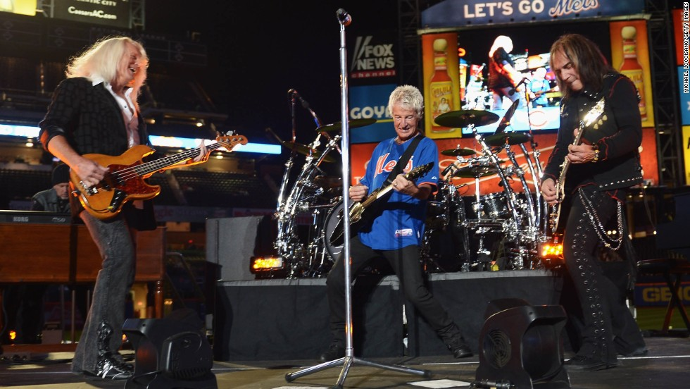 REO Speedwagon announced December 13 that it had canceled its performance.