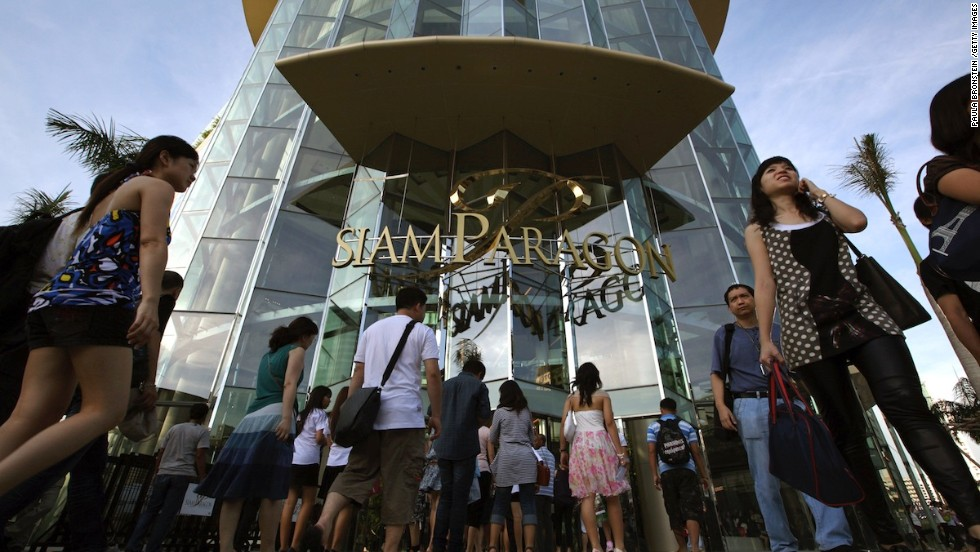 Perennially packed Siam Paragon is a luxury shopping mall, plus huge aquarium, in Bangkok. Its top Instagram spot shouldn't surprise residents, who share images of their everyday life with virtually anyone.