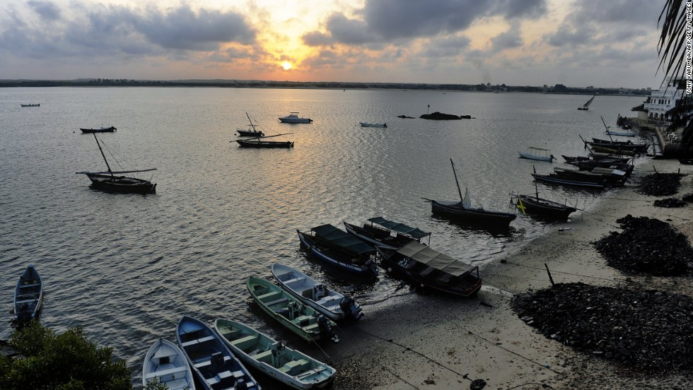 A Chinese company has won the tender to build the first berths at Kenya's ambitious port project in Lamu.