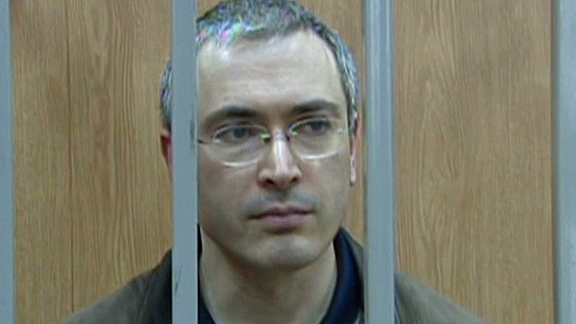 Putin pardons jailed oil tycoon