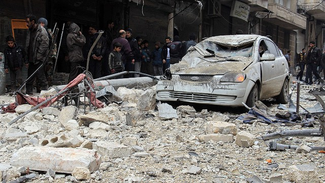 Reports: Aleppo battered by barrel bombs