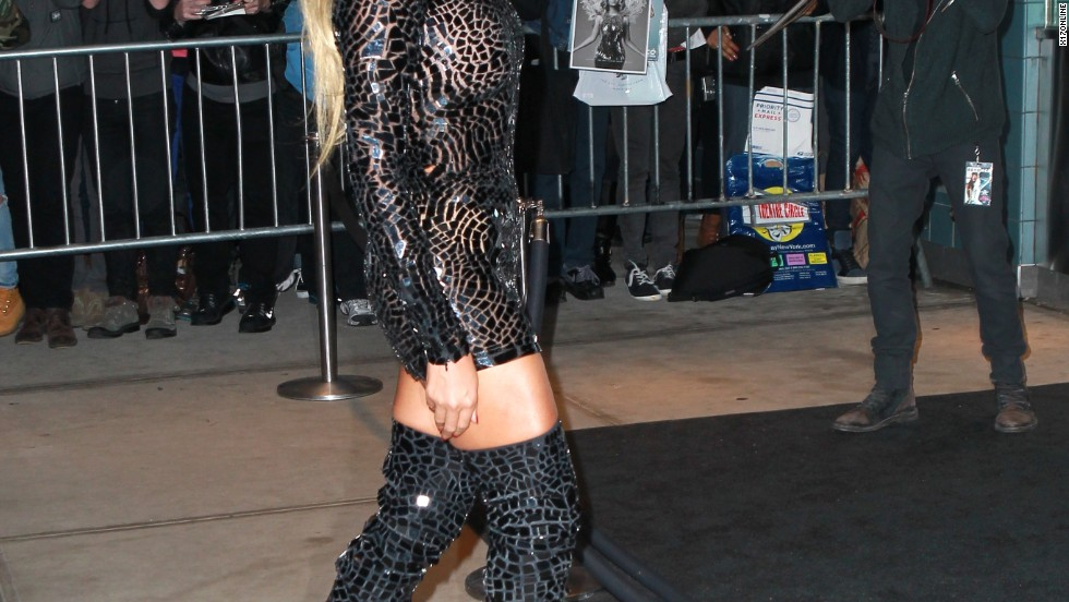 Beyoncé steals the spotlight (as she should) at a screening for her self-titled visual album on December 21.