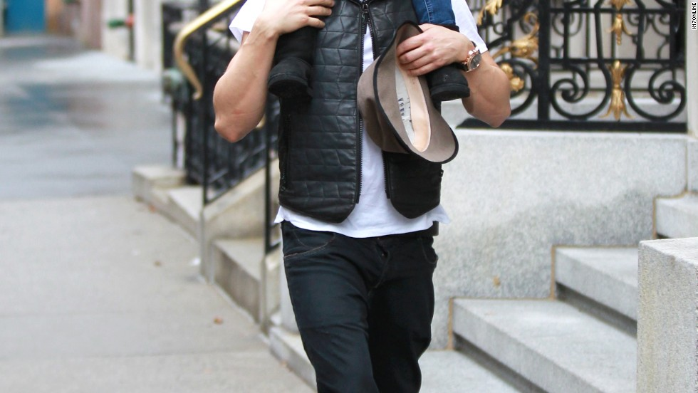 Orlando Bloom and his son Flynn get in some quality time on December 22.