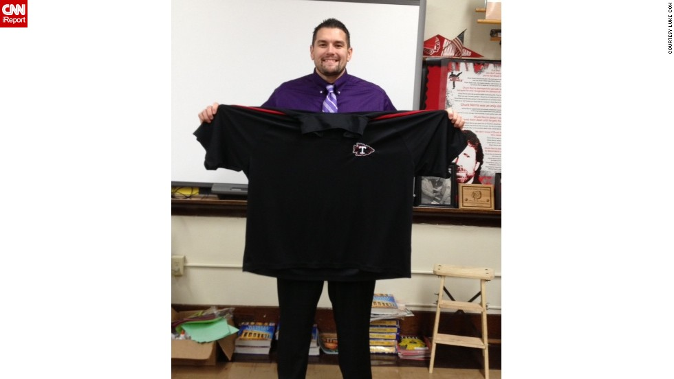 In March 2013, Cox wore a 5XL T-shirt. He recently bought his first XL T-shirt since 1997.