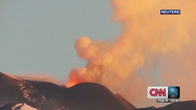2013: Italy's Mount Etna erupts again