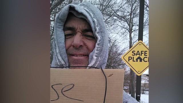 pkg man gives gifts posing as homeless _00005102.jpg