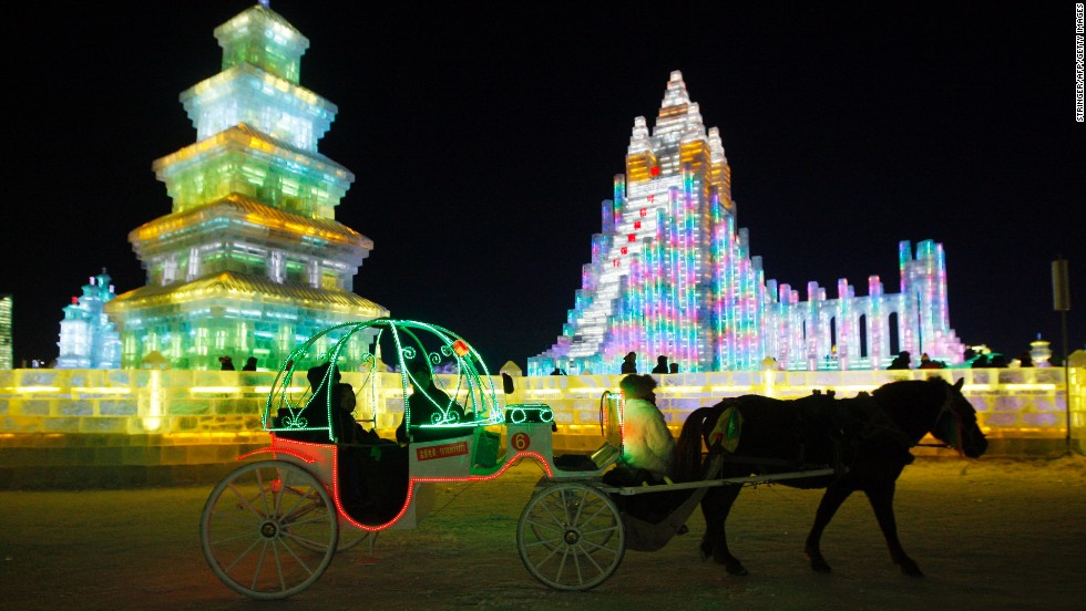 You can ride a horse-drawn carriage through the 600,000-square-meter display park.