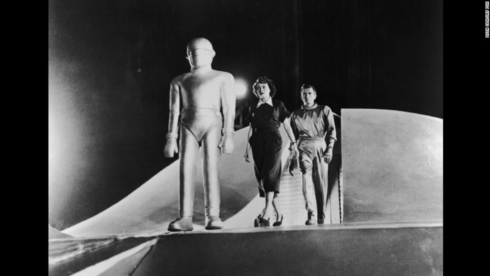 "<strong>""The Day the Earth Stood Still"" </strong>(1951)"