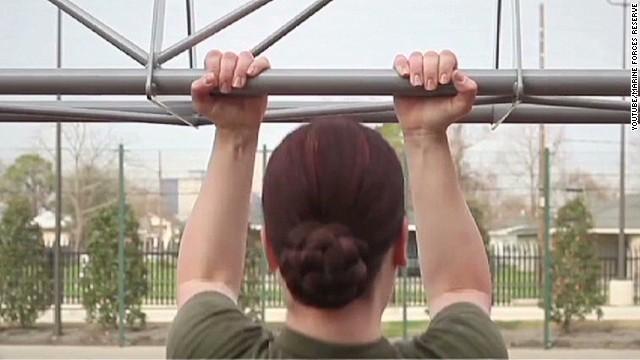 nr female marines combat pull-ups_00003524.jpg