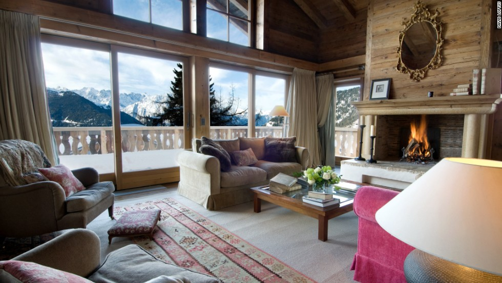 You could plot your entire day's skiing from the floor-to-ceiling windows here.