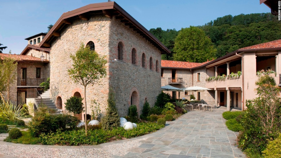 This family-owned resort, a former 18th century home with stone country walls and a state-of-the-art spa, guarantees fat loss over muscle and water weight loss as well as reducing other issues such as poor digestion.