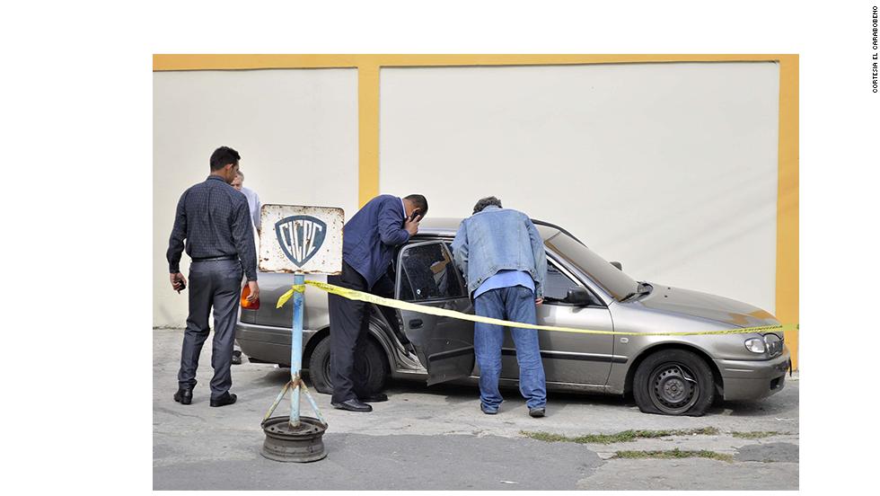 Spear, de 29 años, y su esposo Berry Thomas Henry (un irlandés de 39 años) y su hija de 5 años viajaban por la autopista Puerto Cabello--Valencia, en el estado de Carabobo, cuando su auto tuvo un accidente. Posteriormente sufrieron lo que parece un intento de robo, en el que fueron baleados. El esposo de la Miss Venezuela 2004 también falleció en el incidente y la menor fue herida en una pierna.