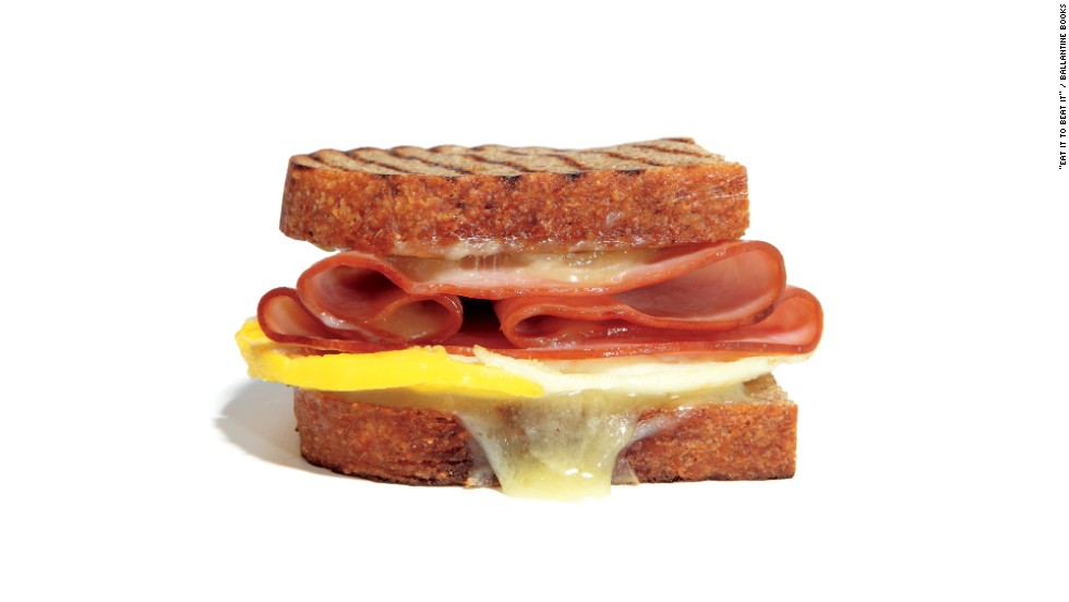"""<strong>Best hot restaurant breakfast: </strong>Panera Bread's Breakfast Power on whole grain has 340 calories, 15 grams fat, 920 milligrams sodium, 4 grams fiber, 3 grams sugar and 16 grams protein. """"A good balance of calories, protein and carbs, with more fiber than you find in most breakfast sandwiches,"""" Zinczenko says."""