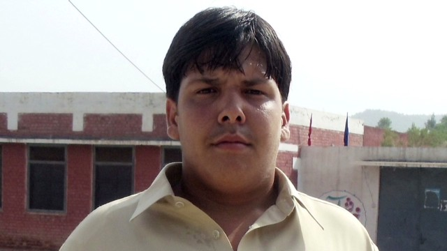 Teen hero dies tackling a suicide bomber