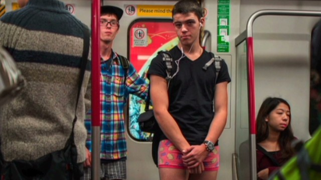 vo no pants subway ride _00002419.jpg
