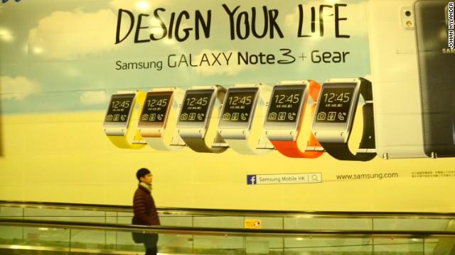 Ad promoting Samsung's Galaxy Gear on Hong Kong's subway.