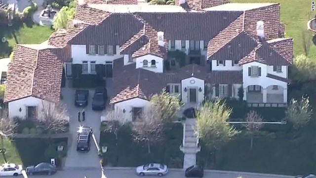 Deputies search Justin Bieber's home