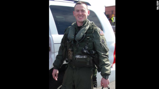 LT Sean Christopher Snyder died when the helicopter he was piloting crashed off the coast of Virginia.